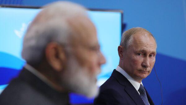 Primer ministro indio, Narendra Modi, y presidente ruso, Vladímir Putin - Sputnik Mundo