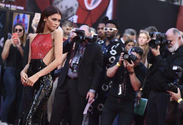 Estas son las celebridades más elegantes de 2019, según People  - Sputnik Mundo