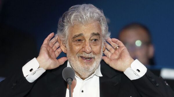 Plácido Domingo, el cantante español - Sputnik Mundo