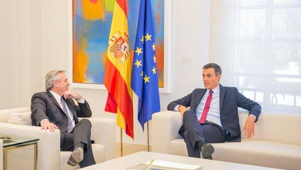 El presidente de Argentina, Alberto Fernández, y el presidente del Gobierno de España, Pedro Sánchez - Sputnik Mundo