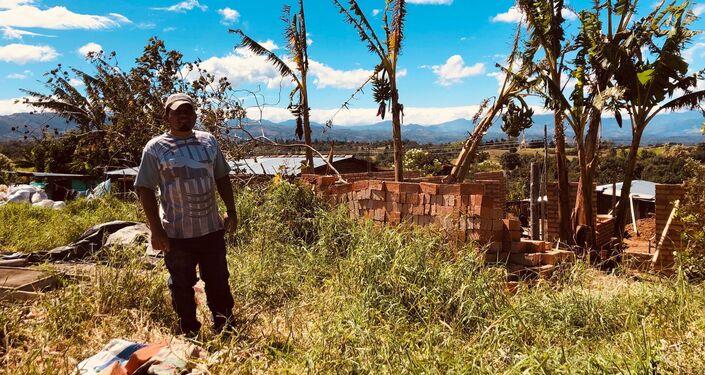 Andrés, un campesinos colombiano en el Departamento del Cauca