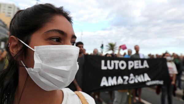 Manifestación en Brasil por la Amazonía - Sputnik Mundo