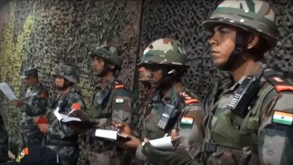 Maniobras militares conjuntas de la India y China - Sputnik Mundo