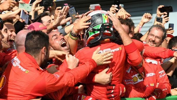 Victoria de Charles Leclerc del equip ode Ferrari en el Gran Premio de Italia, el 8 de septiembre de 2019 - Sputnik Mundo