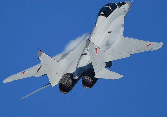 Caza ruso de la generación 4++, MiG-35