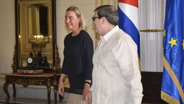 Alta Representante de la UE, Federica Mogherini y el canciller cubano, Bruno Rodríguez Parilla - Sputnik Mundo