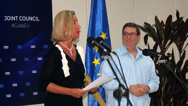 Federica Mogherini, Alta Representante de la UE, junto al canciller de Cuba Bruno Rodríguez Parrilla - Sputnik Mundo