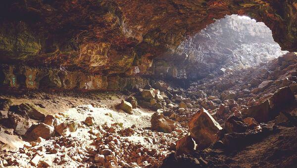 Una cueva (imagen referencial)  - Sputnik Mundo