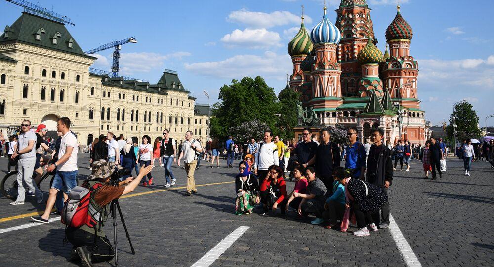 Turistas en la Plaza Roja de Moscú