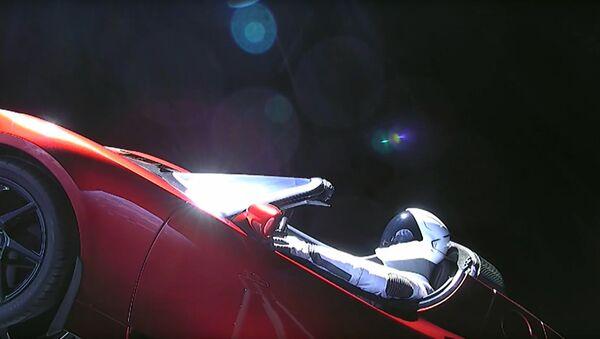 Un auto Tesla en el espacio - Sputnik Mundo