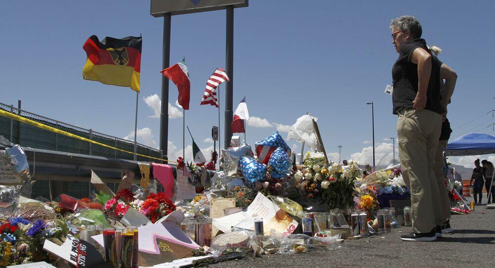 Lugar del tiroteo en  en un local comercial de Walmart en El Paso, Texas EEUU