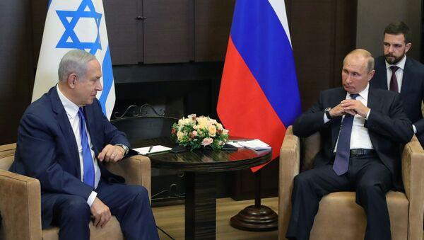 El primer ministro israelí, Benjamín Netanyahu, y el presidente ruso, Vladímir Putin - Sputnik Mundo