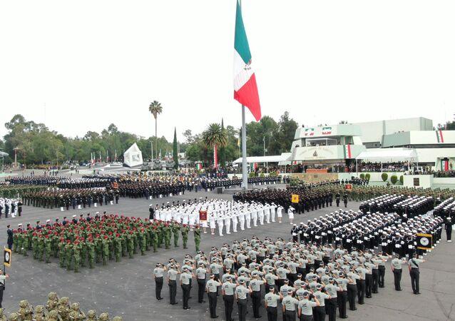 Efectivos militares presentes en el ensayo del desfile del 16 de septiembre en la Ciudad de México