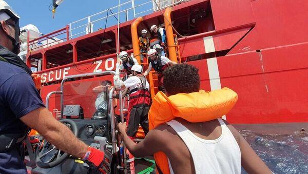 Los migrantes rescatados por el Ocean Viking - Sputnik Mundo