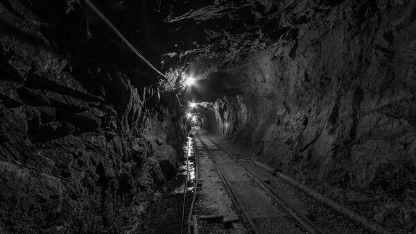 Un túnel en una mina - Sputnik Mundo