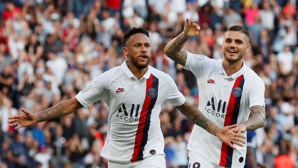 Neymar, futbolista brasileño, celebra su gol por el PSG contra el equipo de Estrasburgo en la liga francesa (archivo) - Sputnik Mundo