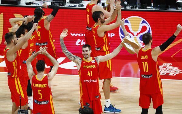 La selección española festeja su triunfo en la Copa Mundial de baloncesto - Sputnik Mundo