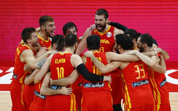 La selección española festeja su victoria en el Mundial de baloncesto 2019 - Sputnik Mundo