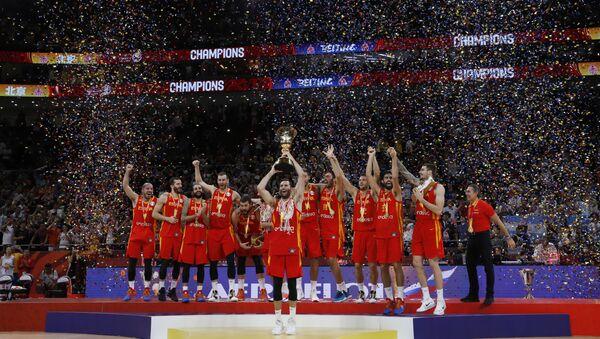 La selección de España festeja su victoria en la final de la Copa Mundial de baloncesto - Sputnik Mundo