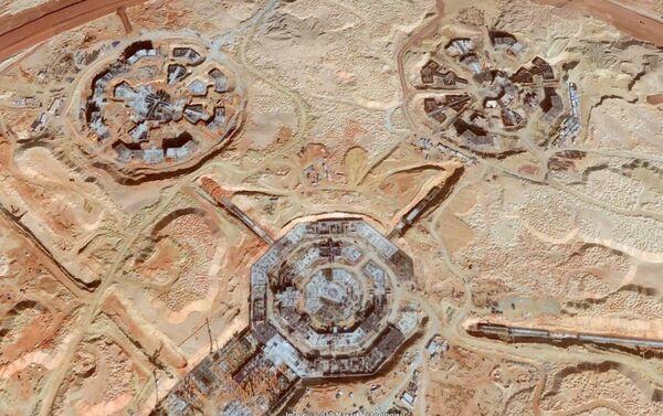 Durante la construcción de los edificios se dejaron al descubierto los túneles que los unen - Sputnik Mundo