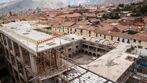 Construcción del hotel de la red Sheraton en la calle Saphy, en el Centro Histórico de Cusco, Perú - Sputnik Mundo