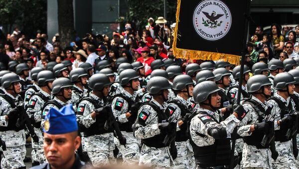 Elementos de la Guardia Nacional durante el desfile de las fuerzas armadas, el día de la Independencia mexicana - Sputnik Mundo