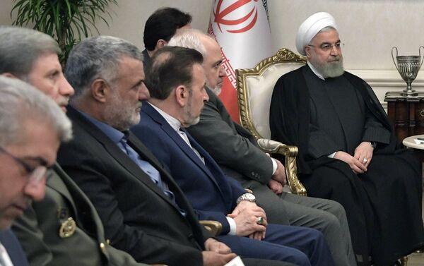 Delegación iraní, presidida por el presidente Hasán Rohaní,  en el encuentro tripartita en Ankara, el 16 de agosto de 2019 - Sputnik Mundo