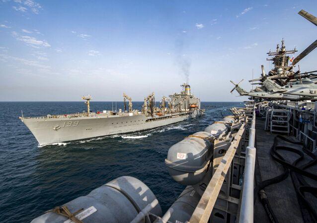 Buques estadounidenses en aguas del Golfo Pérsico