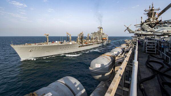 Buques estadounidenses en aguas del Golfo Pérsico - Sputnik Mundo