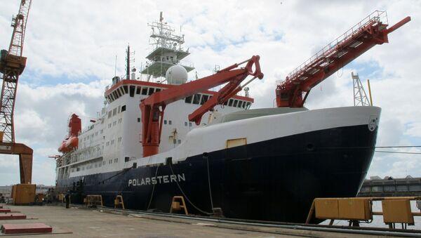Rompehielos de investigación alemán RV Polarstern  - Sputnik Mundo