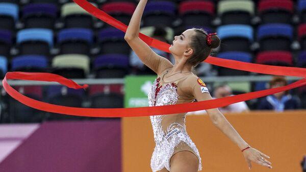 Dina Averina, gimnasta rusa - Sputnik Mundo