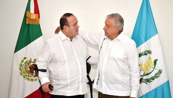 Andrés Manuel López Obrador, presidente de México, y Alejandro Giammattei, presidente electo de Guatemala - Sputnik Mundo