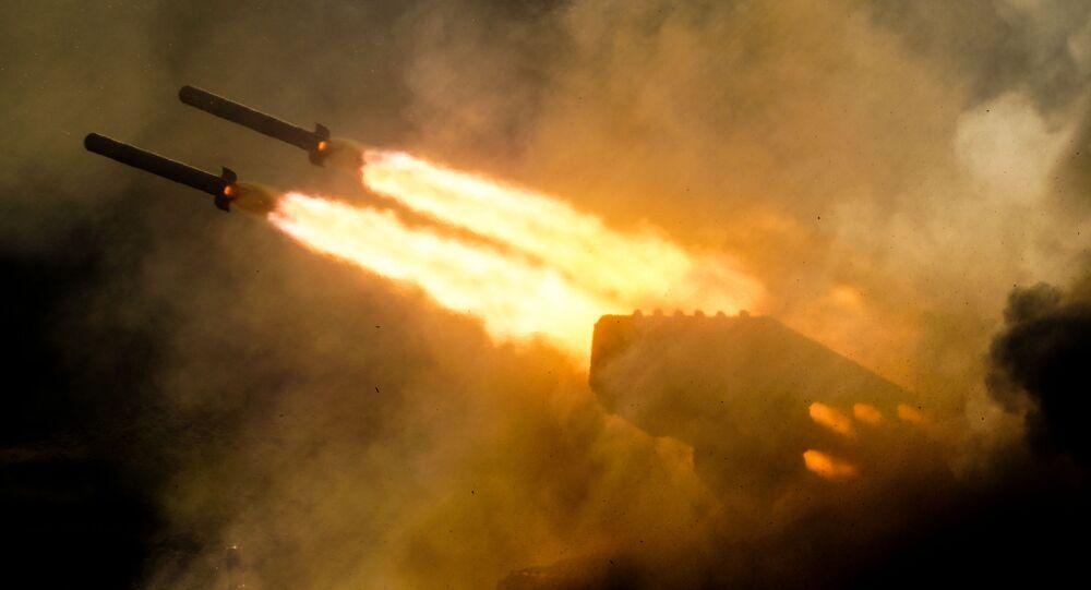 Lanzallamas pesado ruso TOS-1A Solntsepiok