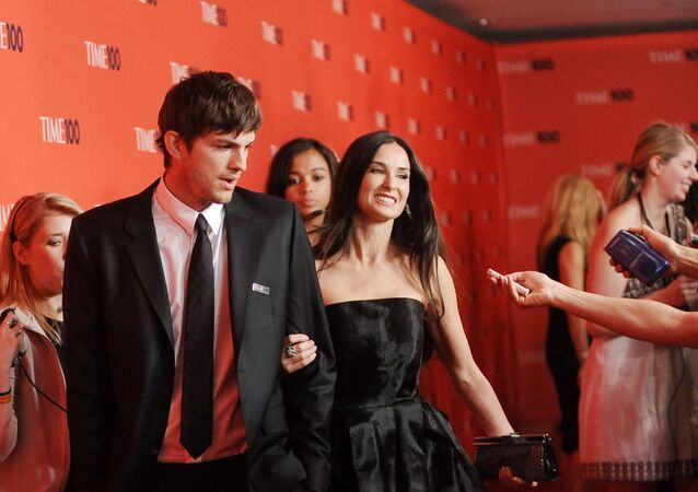 El actor Ashton Kutcher y su entonces esposa, Demi Moore