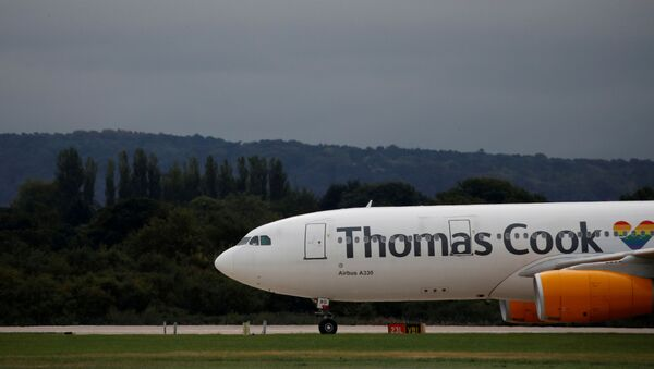Un Airbus A330 del turoperador Thomas Cook - Sputnik Mundo