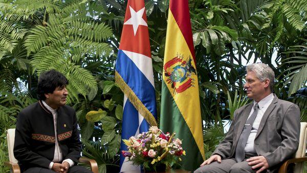 El presidente de Bolivia, Evo Morales y el presidente de Cuba, Miguel Díaz-Canel - Sputnik Mundo