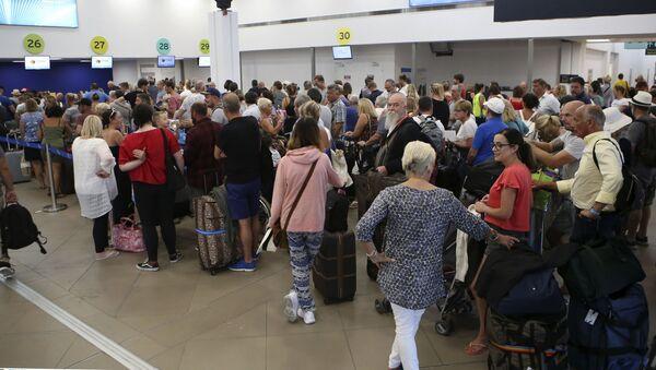 Turistas varados tras la quiebra de Thomas Cook - Sputnik Mundo