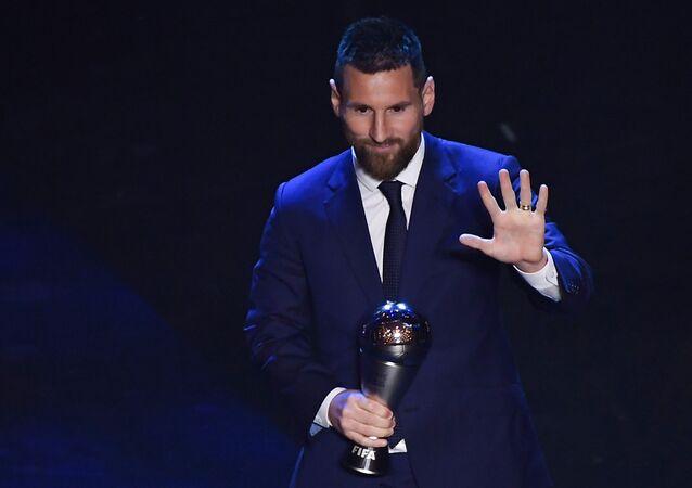El futbolista argentino Lionel Messi recibiento el precio 'The Best'