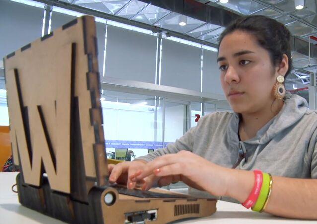 WAWA Laptop, el portátil ecológico de madera