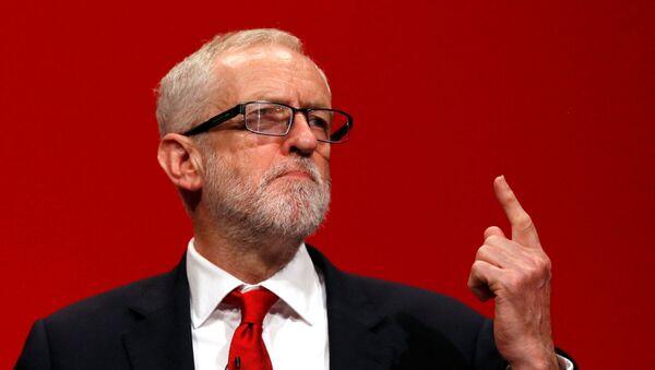 El líder de la oposición en el Reino Unido, Jeremy Corbyn - Sputnik Mundo