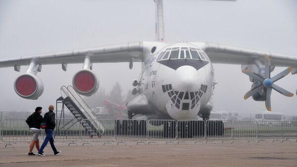 El avión de transporte ruso IL-76 - Sputnik Mundo