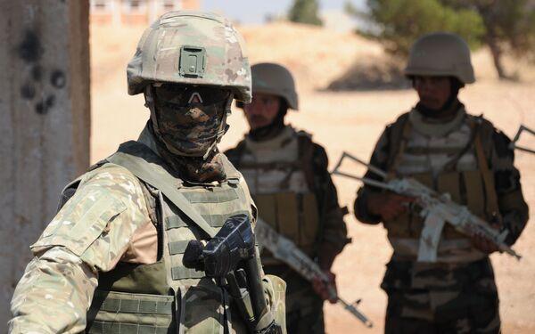 Las fuerzas especiales sirias, con la 'mano dura' de Rusia - Sputnik Mundo
