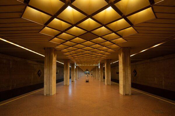 El encanto de las estaciones de metro soviéticas - Sputnik Mundo