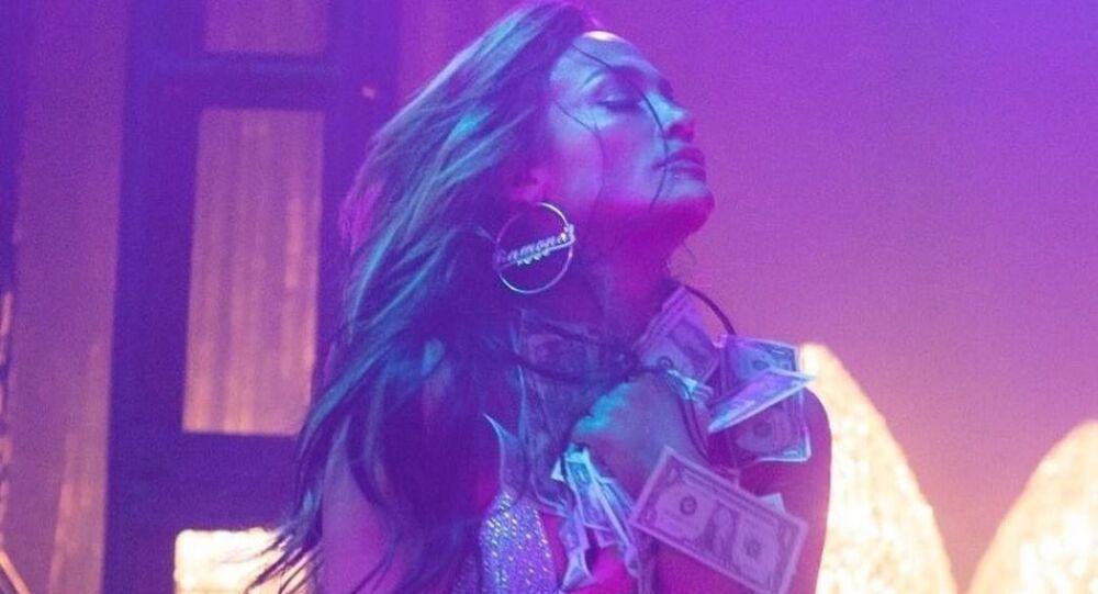 Jennifer Ramona interpreta la stripper Ramona en la película 'Estafadoras de Wall Street'