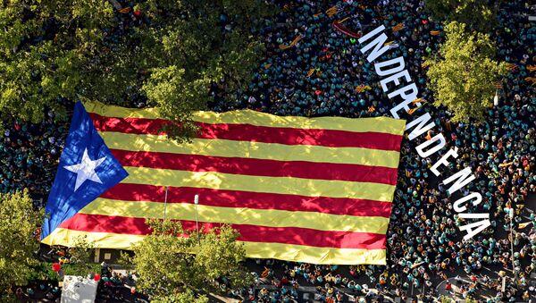 La bandera indepentista de Cataluña - Sputnik Mundo