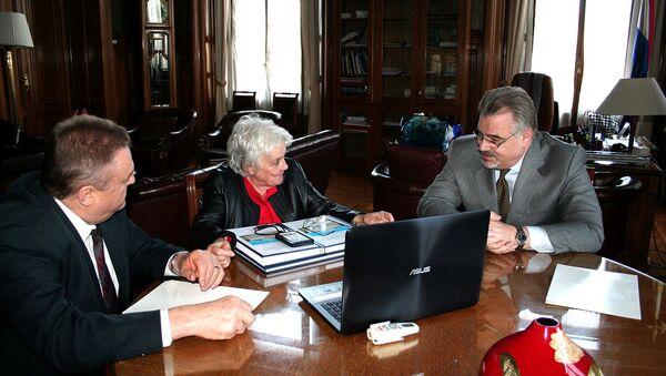 La audiencia del Embajador de Rusia Nikolay Sofinskiy con la Vicepresidente de Uruguay Lucía Topolansky - Sputnik Mundo