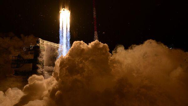 Lanzamiento de un cohete desde el centro espacial de Plesetsk - Sputnik Mundo