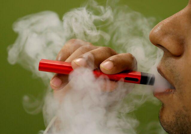 Uso de cigarrillos electrónicos