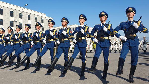 Militares chinos, foto de archivo - Sputnik Mundo