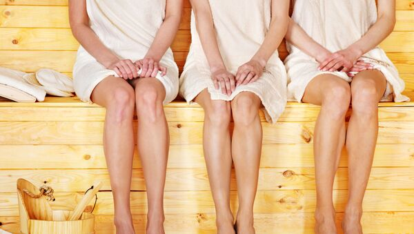 Mujeres en una sauna - Sputnik Mundo